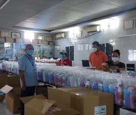 14/9/2021 Tiếp tục 3.000 túi. Được 9.000 túi thuốc tặng f0 rồi.