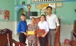 Thăm và tặng quà gia đình chính sách nhân dịp kỷ niệm ngày Thương binh - Liệt sĩ